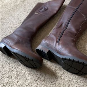 Brown rockport boots